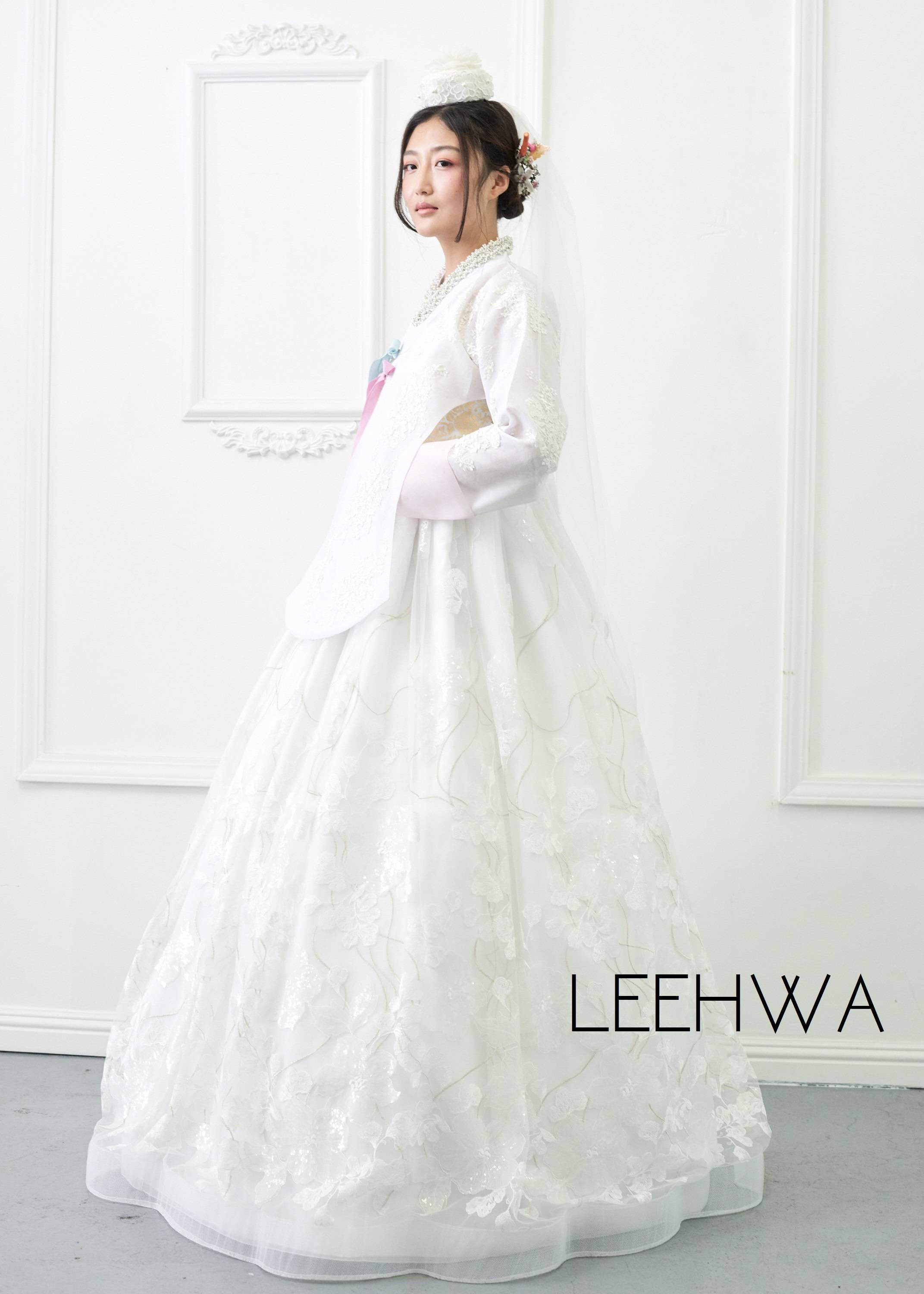 BRIDAL HANBOK COUTURE KOREAN TRADITIONAL DRESS MODERN
