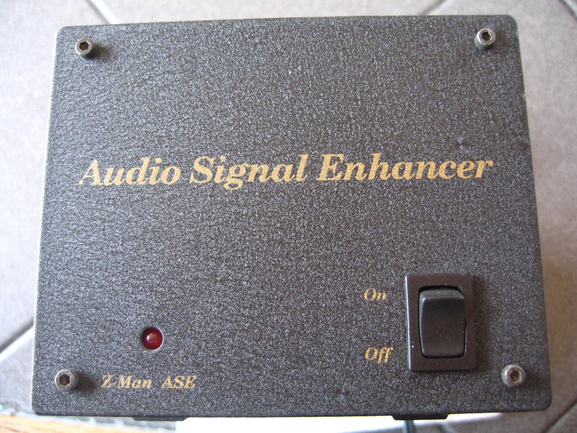 Z-MAN  AUDIO SIGNAL ENHANCER WITH AMPEREX TUBE UPGRADE