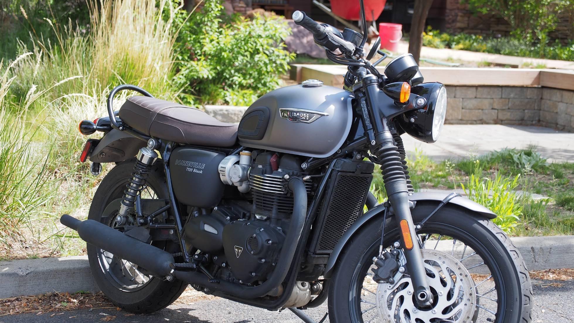 Triumph Bonneville T120 Black For Rent Near Bend Oregon Riders Share