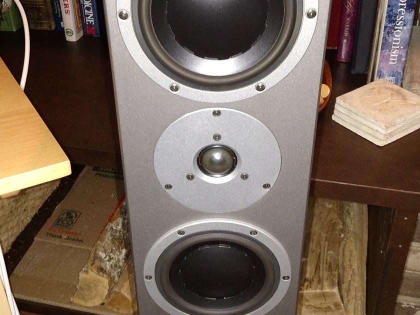 Dynaudio Audience 122  Speaker