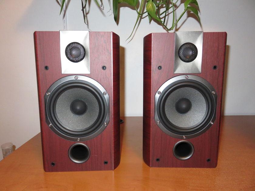 Focal Chorus 705 Bookshelf speakers