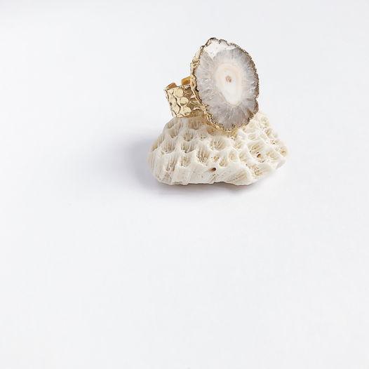 Кольцо из сталактита кварца в позолоте