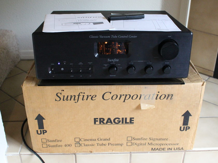 Sunfire Classic Vacuum Tube Control Center w/ Remote and Phono Input
