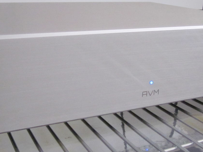 AVM AUDIO GERMANY SA3.2 STEREO AMP - 2X 325 WATTS SPECIAL SALE!