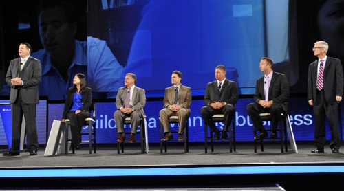 Advisor Panel included: Winnie Sun, Russ and Glen Cesari, Jeff Thiesen and Lance Dueker. LPL's Derek Bruton and Andy Kalsbaugh stand on the right and left flanks.