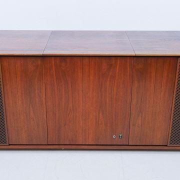 C58 Delphi Vintage Cabinet