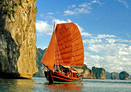 halong-bay-junk-boats