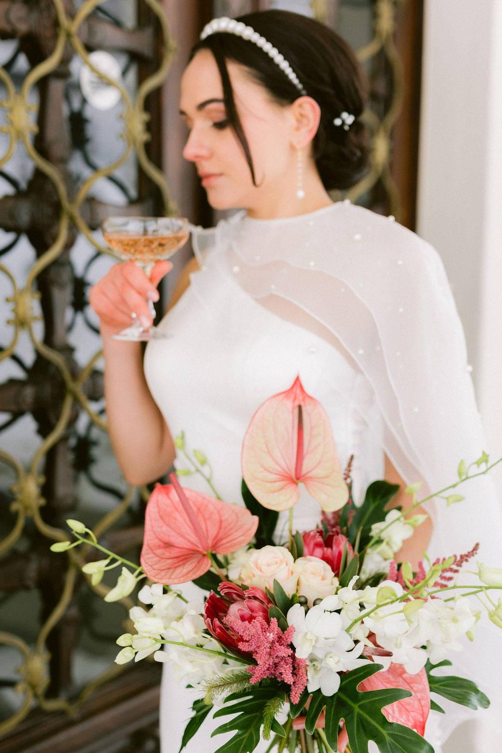 Salome-Floristik-Dresden_Schlichter Brautstrauß Rose Distel Eukalyptus