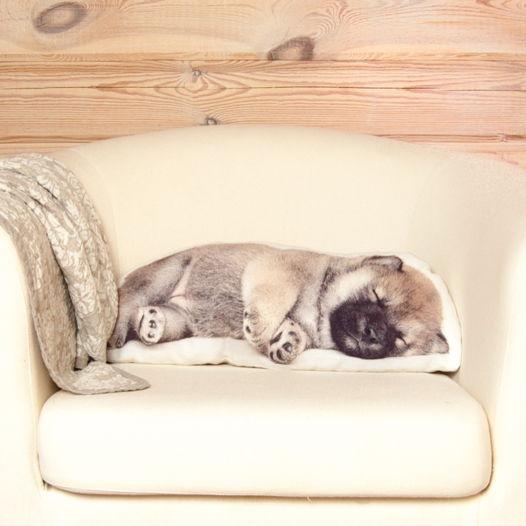 Собака. Подушка в виде спящего щенка Шиба-ину