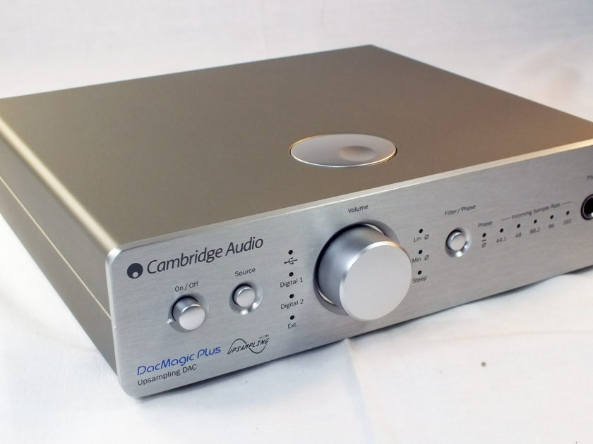 CAMBRIDGE AUDIO DacMagic 100 Digital to  Analogue Converter: Mint Condition B-Stock; Full Manufacturer's Warranty; Silver; 33% Off