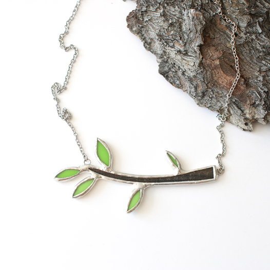Кулон в виде весенней веточки из дерева и стекла