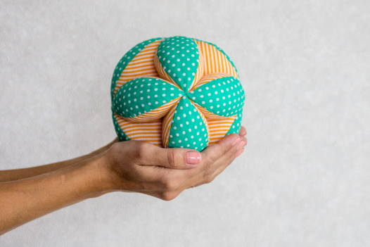 Мяч Такане (мяч Монтессори)