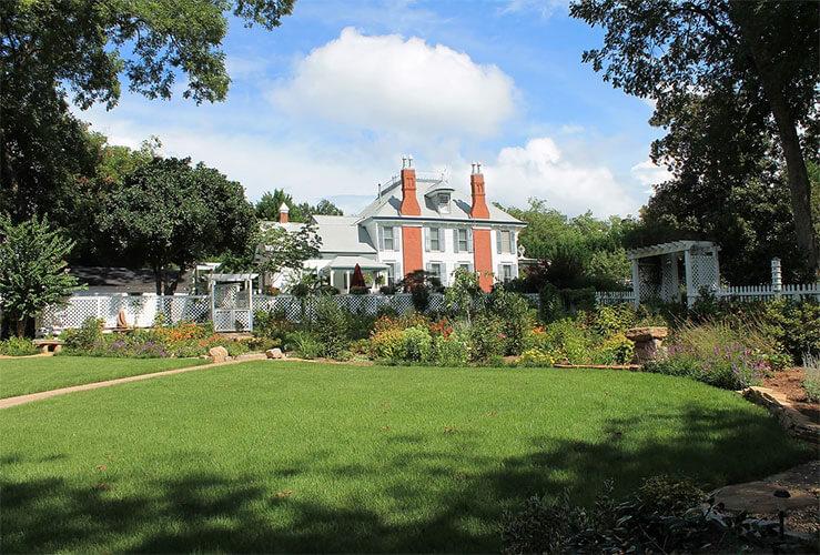 Highgate Estate & Gardens - Photo