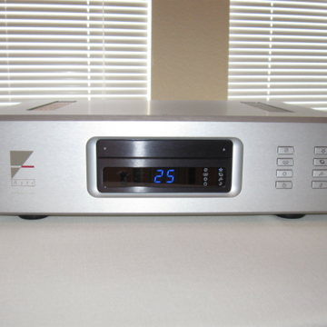 "AX-7E Evolution Integrated Amplifier ""Low Hours"""