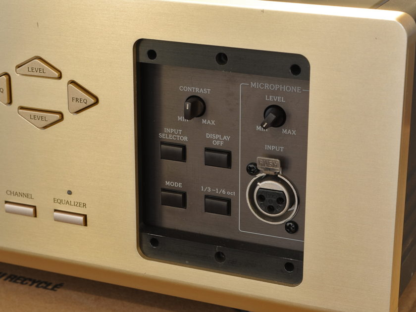 ACCUPHASE   DG-28 Digital Equalizer SEE PHOTO