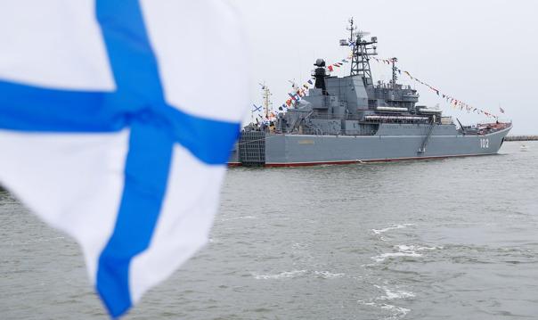 Парад военных кораблей с воды (от Сенатской)