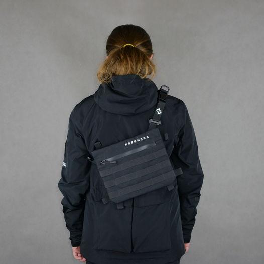 Черная сумка - мессенджер со светоотражающим принтом