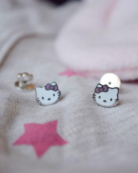 """Пусеты детские серебряные с горячей эмалью """"hello kitty"""""""