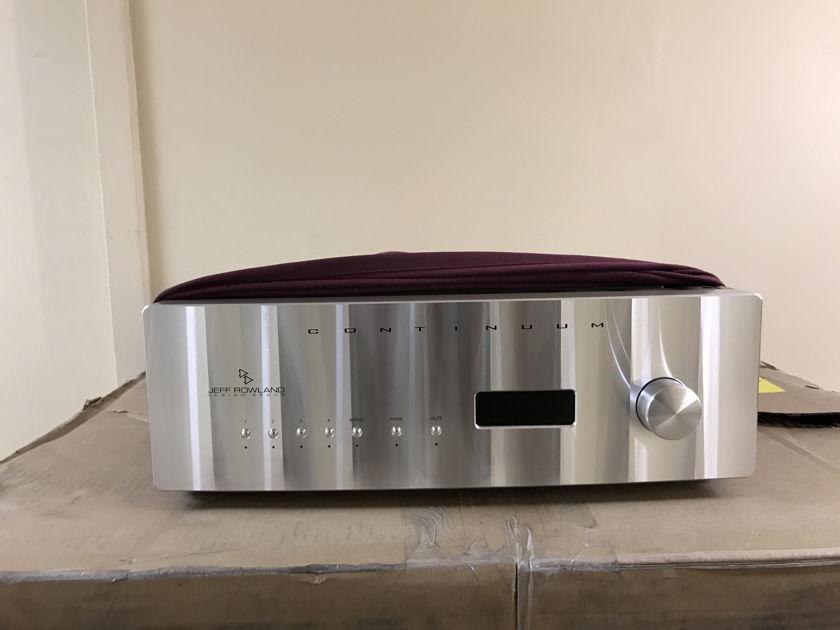 Jeff Rowland Jeff Rowland Continuum 500 with phono 210-250 volt international version