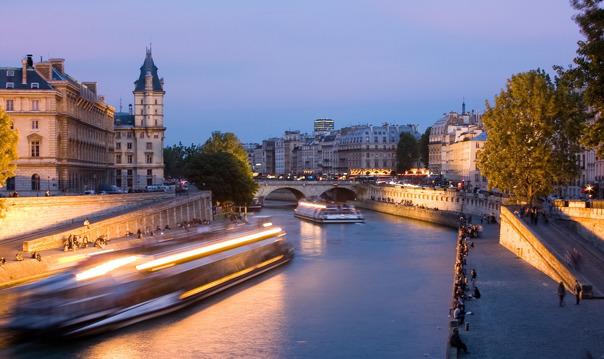 Вечерний часовой круиз «Огни Парижа»