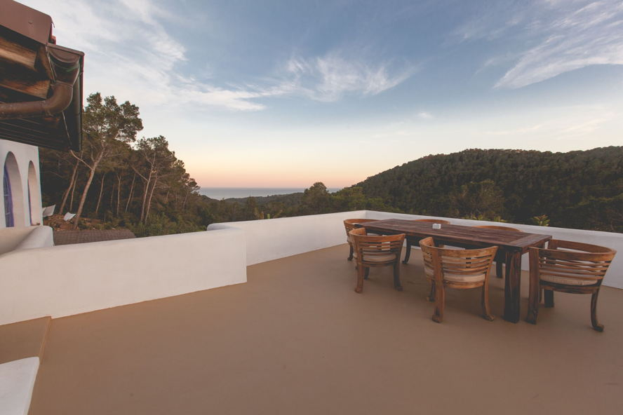 Ibiza - Villa with spacious terrace (San Carlos)