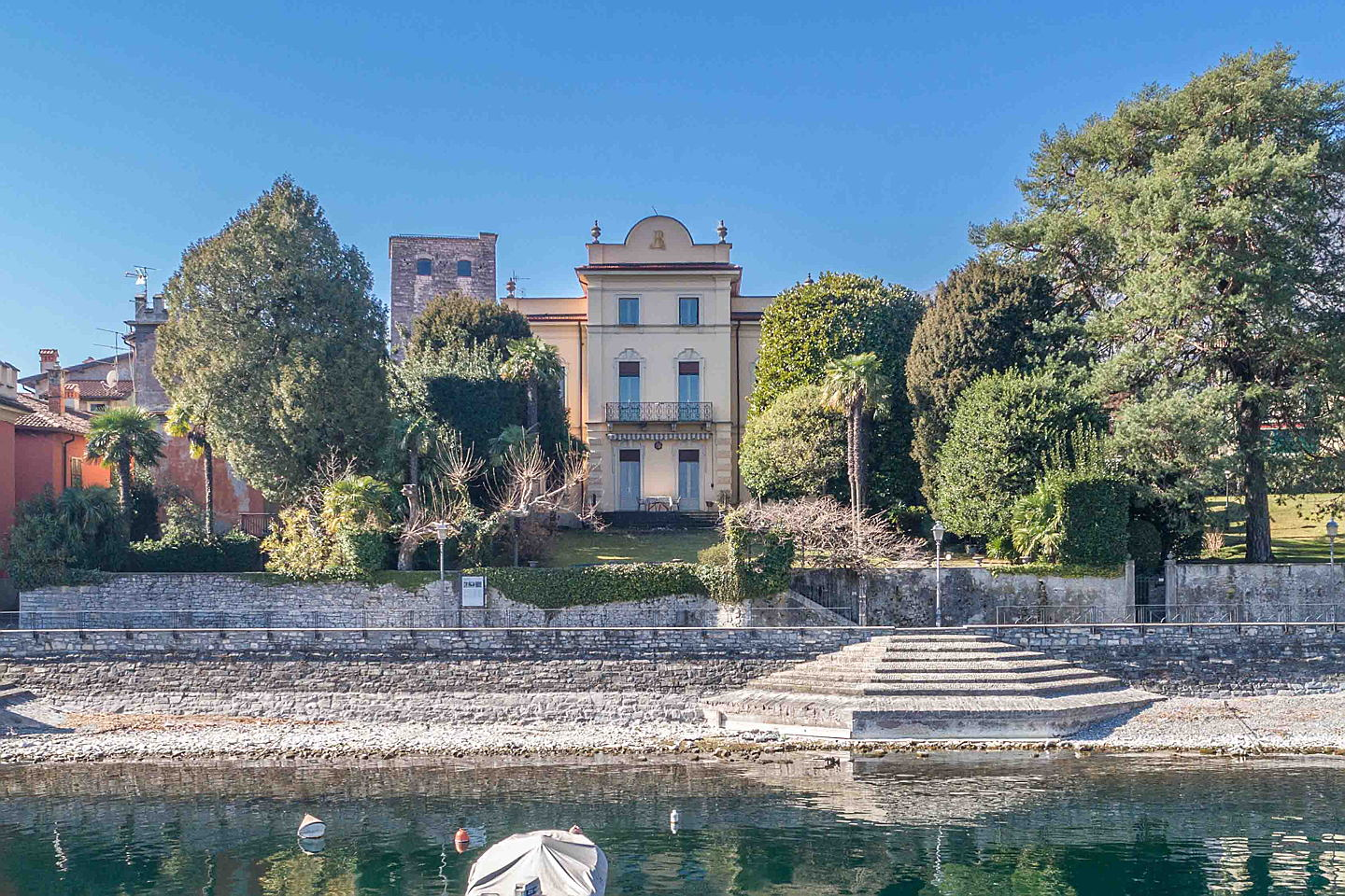 Visp - Engel & Völkers analyses the luxury real estate market at Lago di Como & Lago Maggiore. Forecast: The upward trend for property prices continues!
