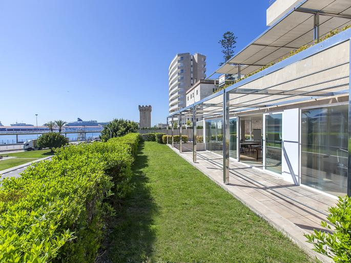 Luxury flat on the Paseo Maritimo