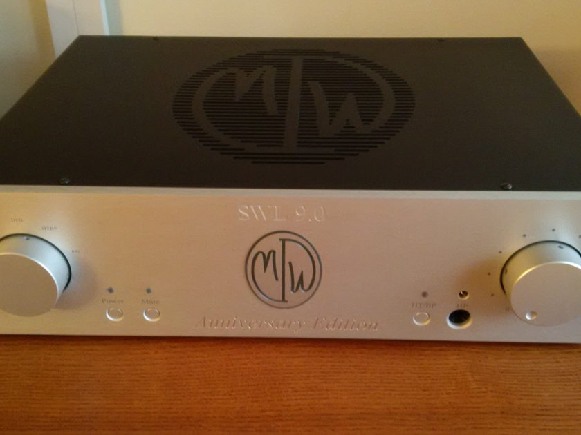ModWright  LLC SWL-9.0 Anniversary Edition Tube Preamp. Mint Condition - As New in Box