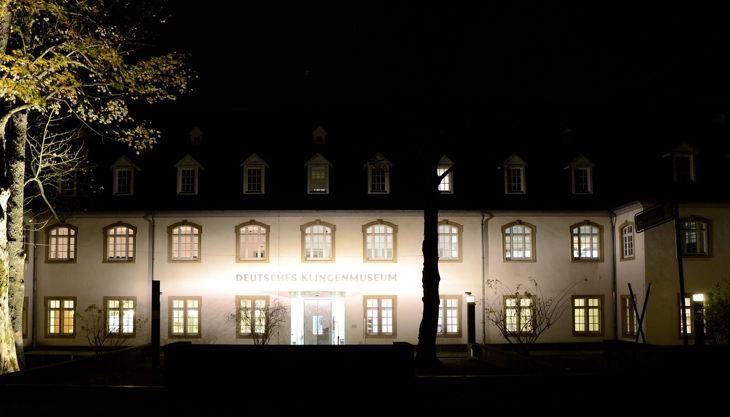 deutsches klingenmuseum klingenmuseum bei nacht