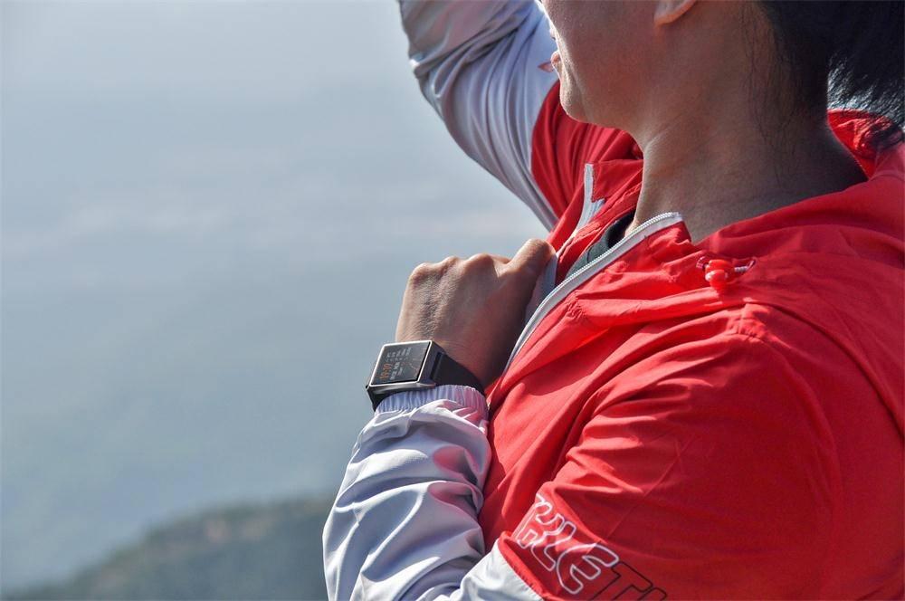 Neuclo Core W2 Smartwatch