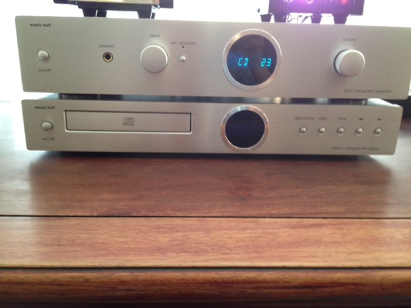 Music Hall 25.2 Integrated Amp and CD Player 25.2 Priced to sell