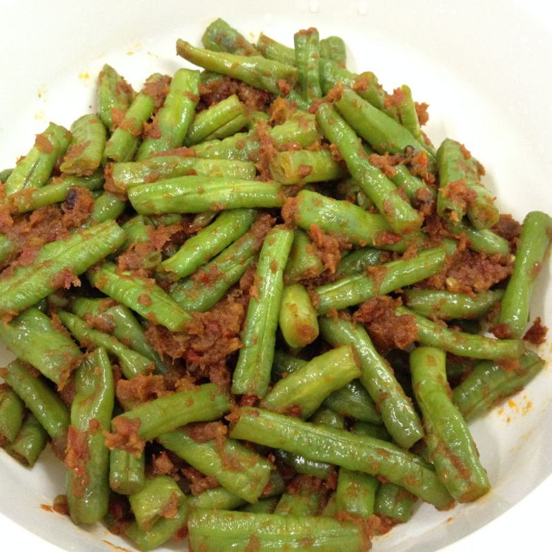 crunchy long bean dish