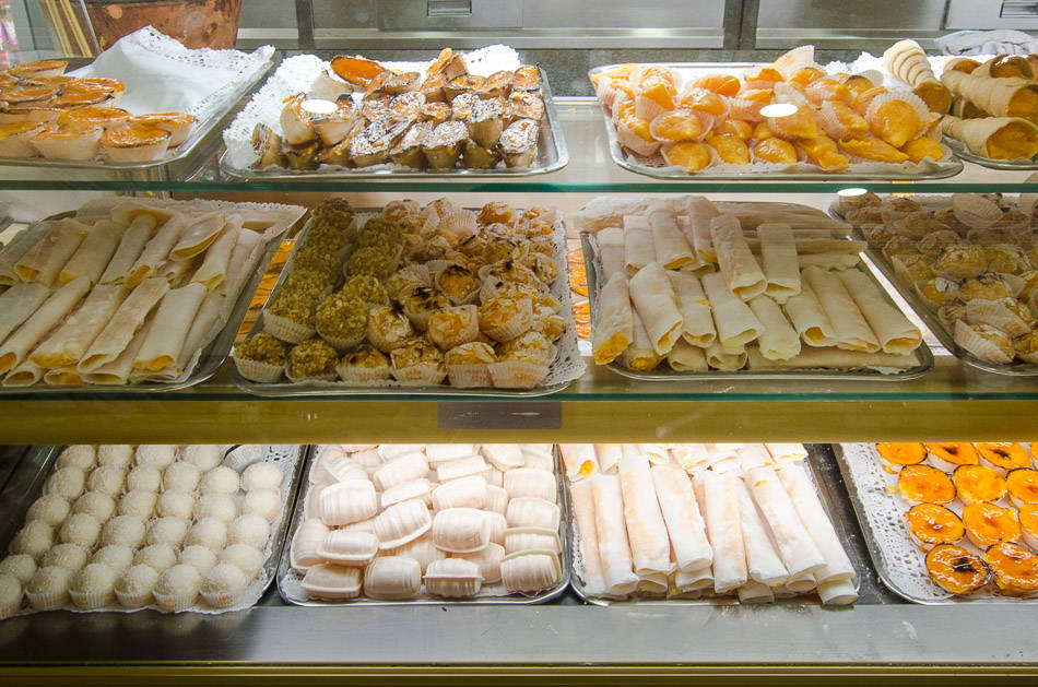 Our team picks doce de ovos pastries as one of the typical foods to try in Porto pastry shops.