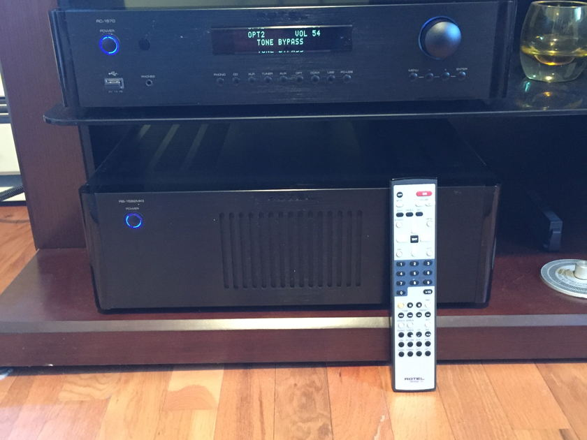 Rotel RC-1570 + RB-1582 MkII Pre+Post amplifier set
