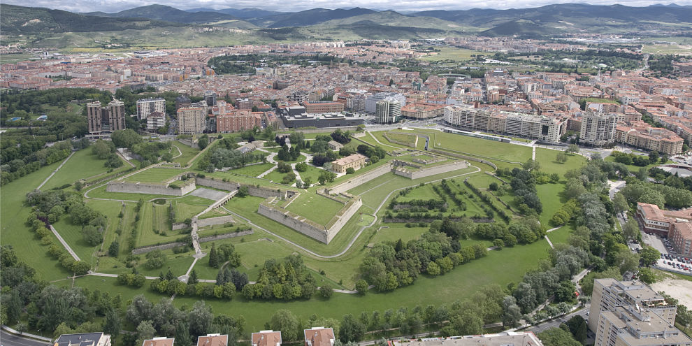 Pamplona - Ciudadela y Murallas General Pamplona_opt.jpg