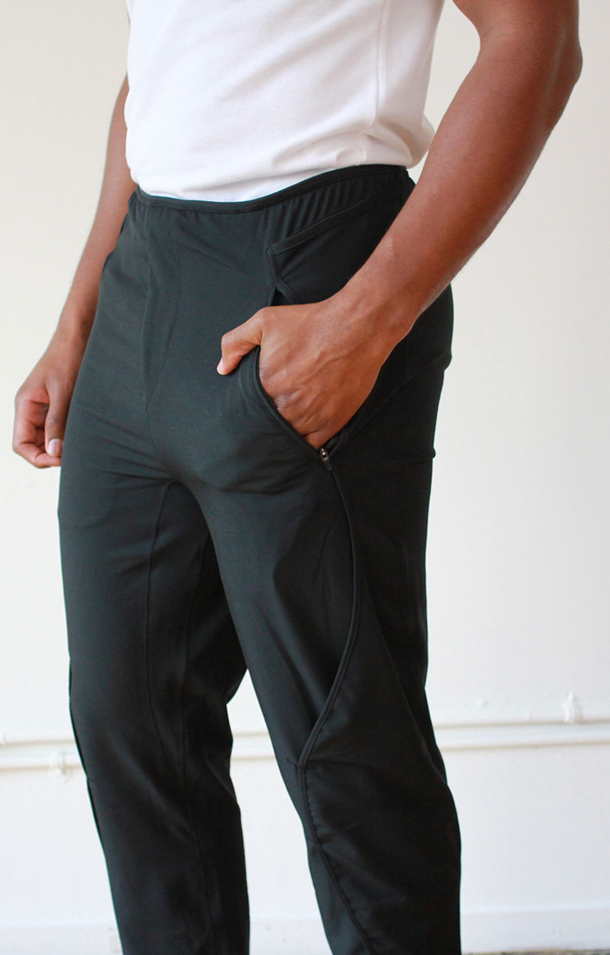 QUEST – EXCEPTIONALLY COMFORTABLE ON THE GO PANT BLACK