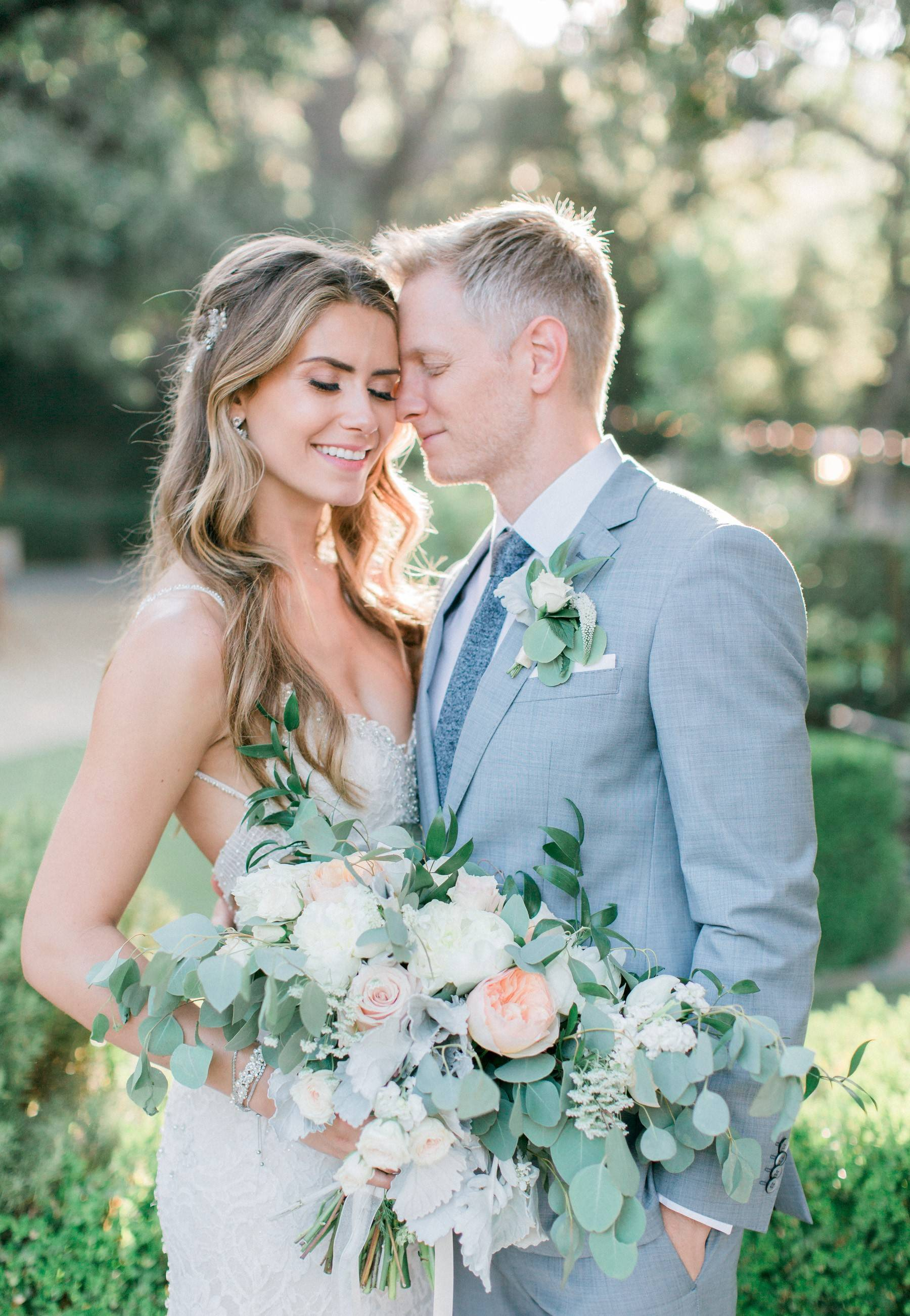Bohemian wedding, romantic bridal bouquet, lush wedding, Los Angeles florist, Vave