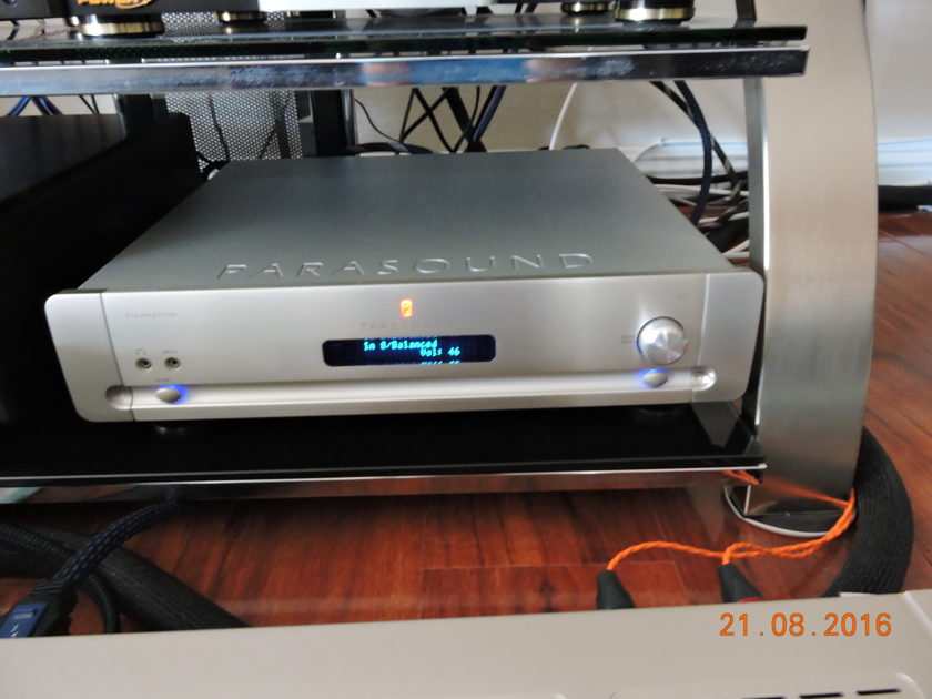 Parasound P7 in silver stereo and 7.1 analog preamp (a rare beast)