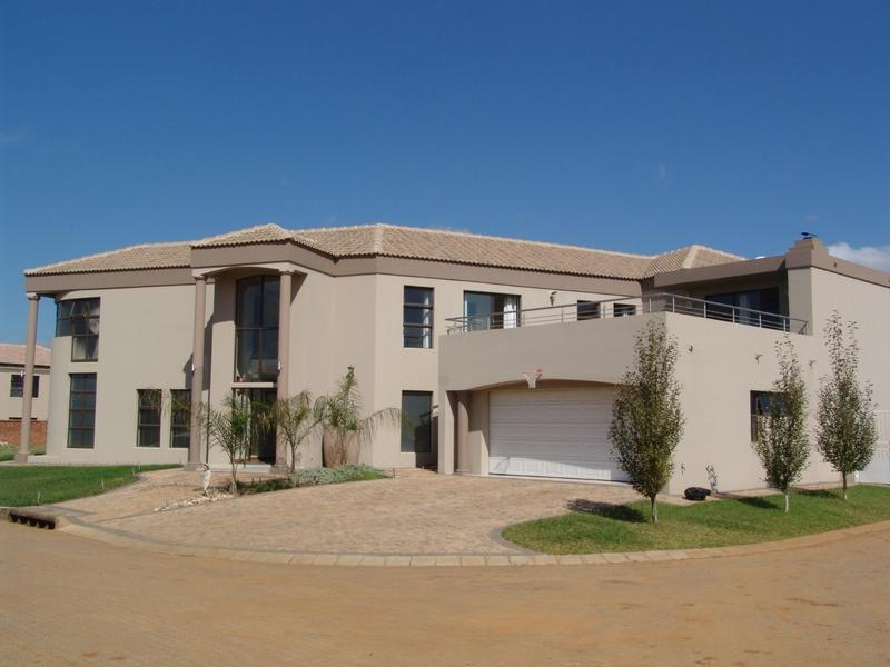 Real estate in Hartbeespoort Dam - ENV69999.jpg