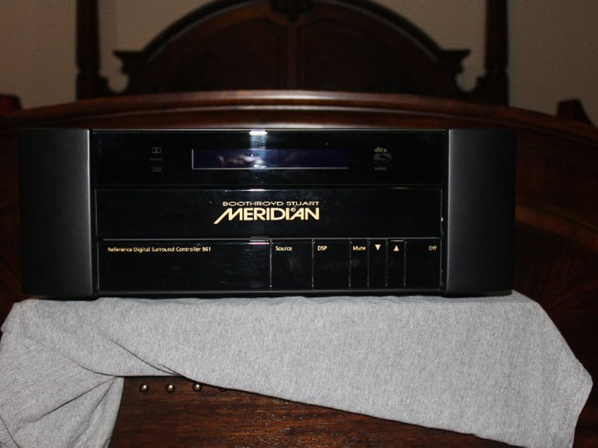 Meridian 861v4.25 + Hd621 hdmi audio processor