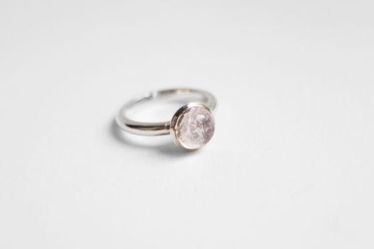 Серебряное кольцо с морганитом (розовый берилл)