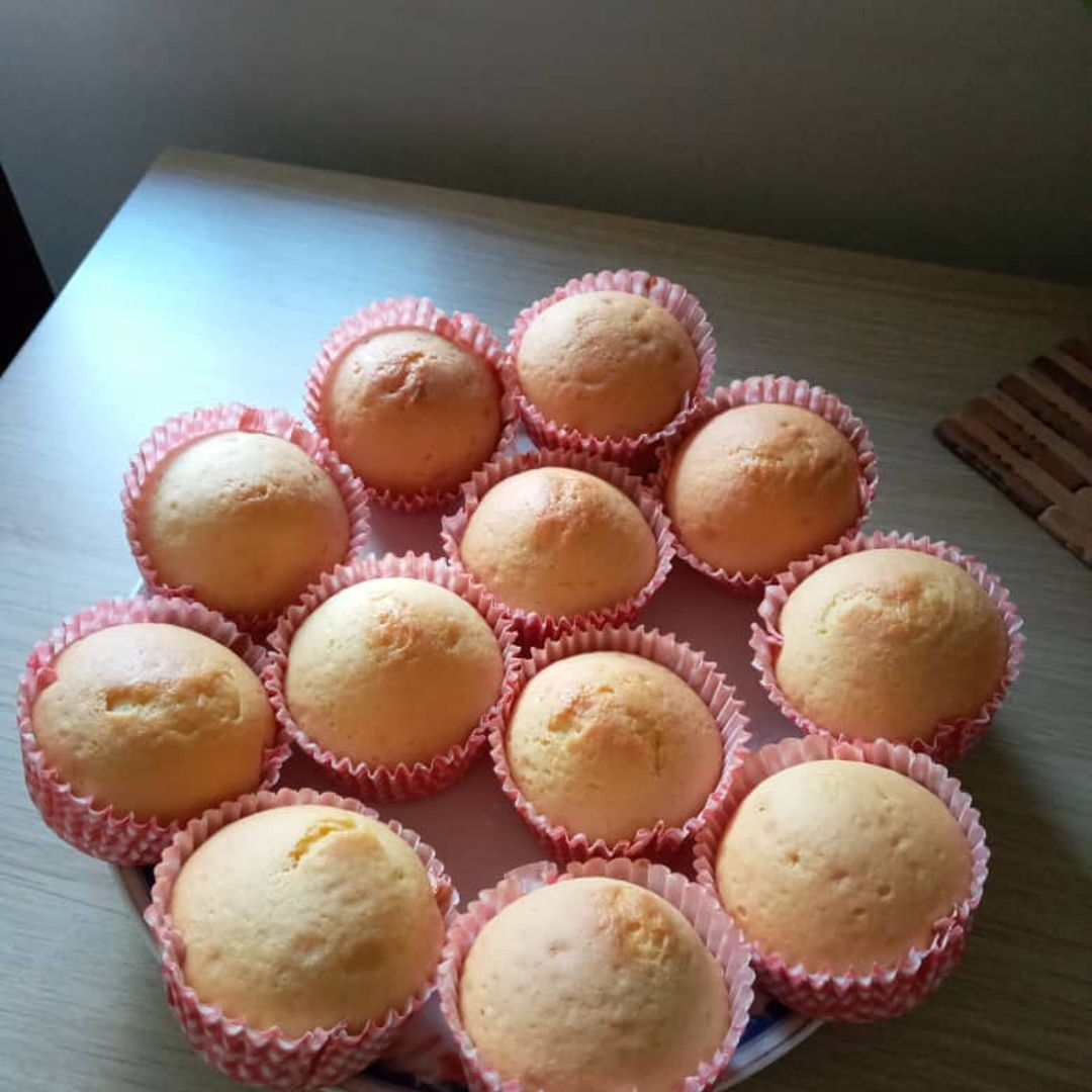 Lemon cupcakes for tea time 😃🍋