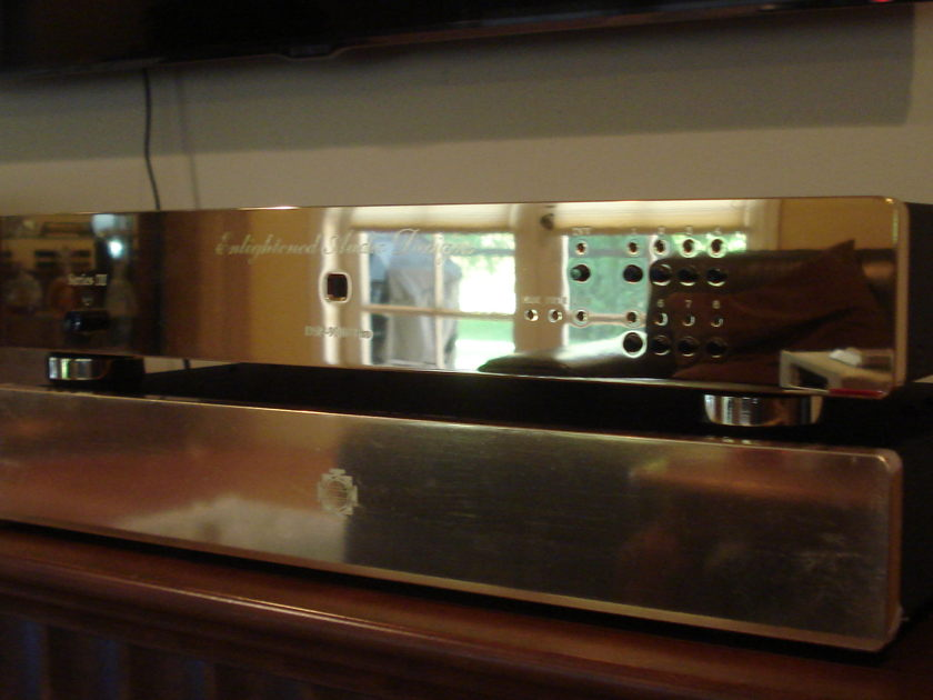 EAD  DSP-9000 Pro Series III with HDCD gold plated finish like new.