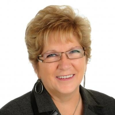 Renée Langlois  Real estate agent RE/MAX Platine
