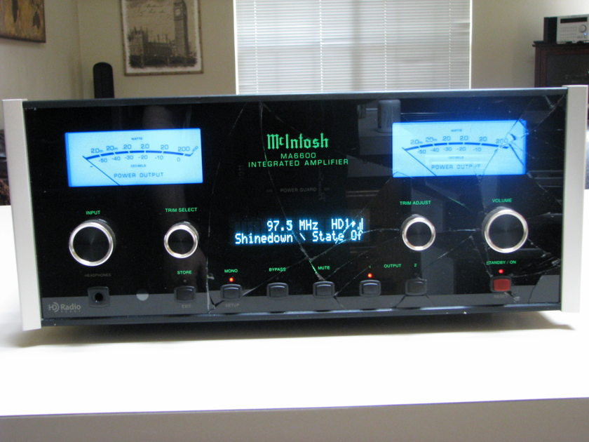 McIntosh MA6600 Integrated Amplifier with TM2 AM/FM/HD Radio Tuner Module