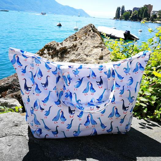 Пляжная сумка с авторским принтом «Гуси»