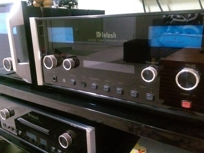 McIntosh C2300 Tube stereo preamp