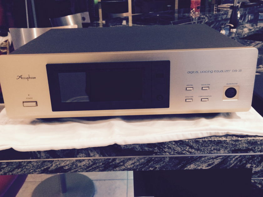 Accuphase  DG-38 As New