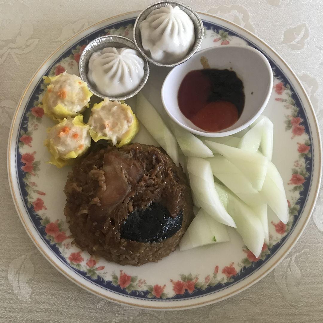 Dimsum for lunch! Super delicious 🤤 👍🏻✌🏻