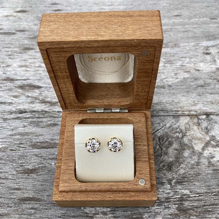 custom lab-grown diamond earrings by sceona